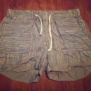 Striped comfy shorts